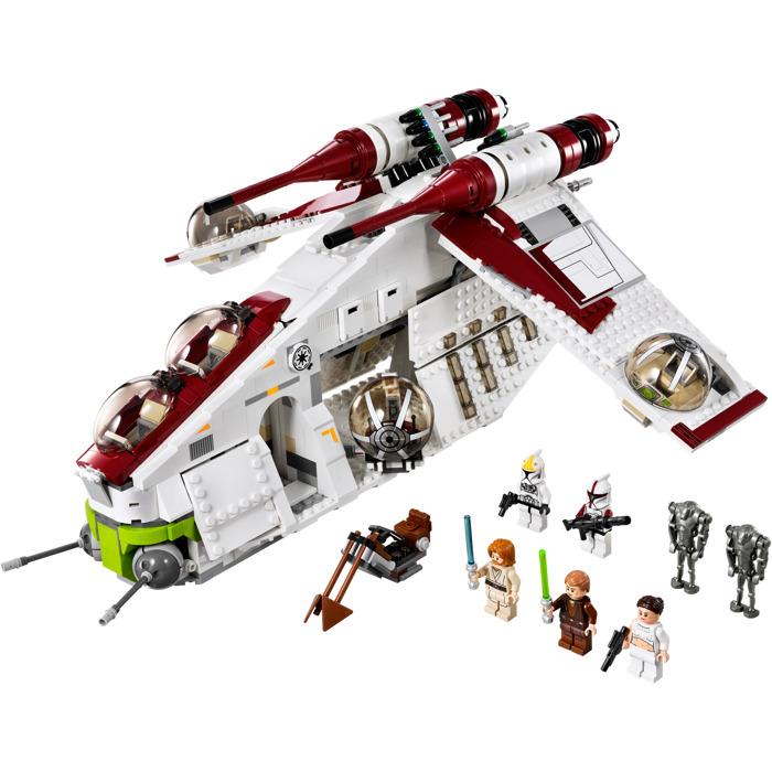A LEGO Republic Gunship set with all mini-figures the set includes