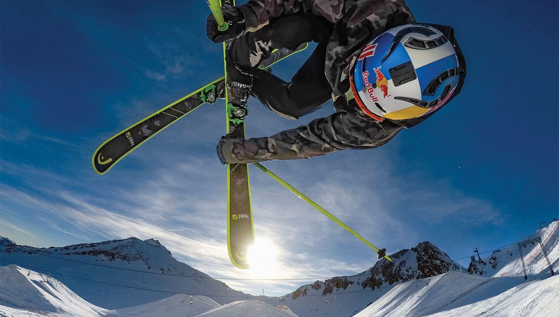Снимка на скиор във въздуха, заснета с GoPro HERO 7