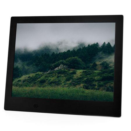 Дигитална фото рамка със снимка на гора