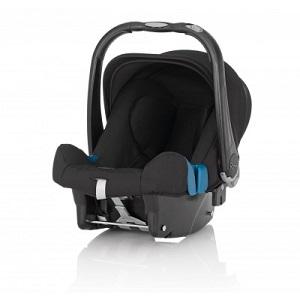 Черна седалка за кола Britax Romer Baby Safe. Бебешката седалка е за възрастова група 0+