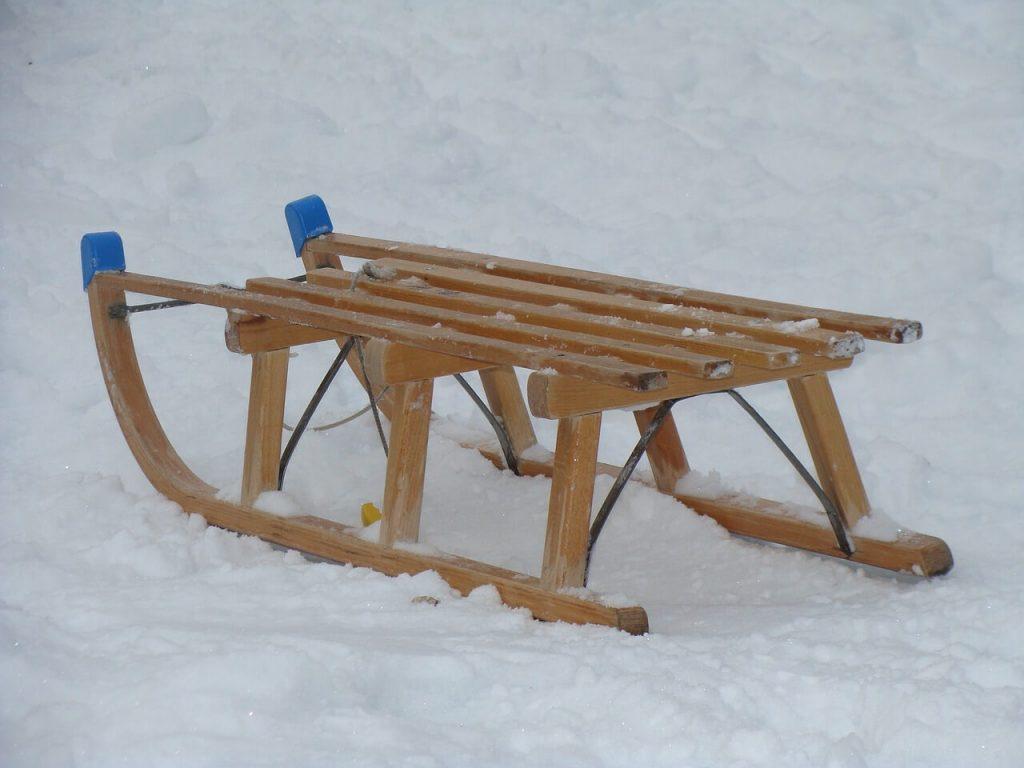 Класическа шейна за деца изработена от дърво